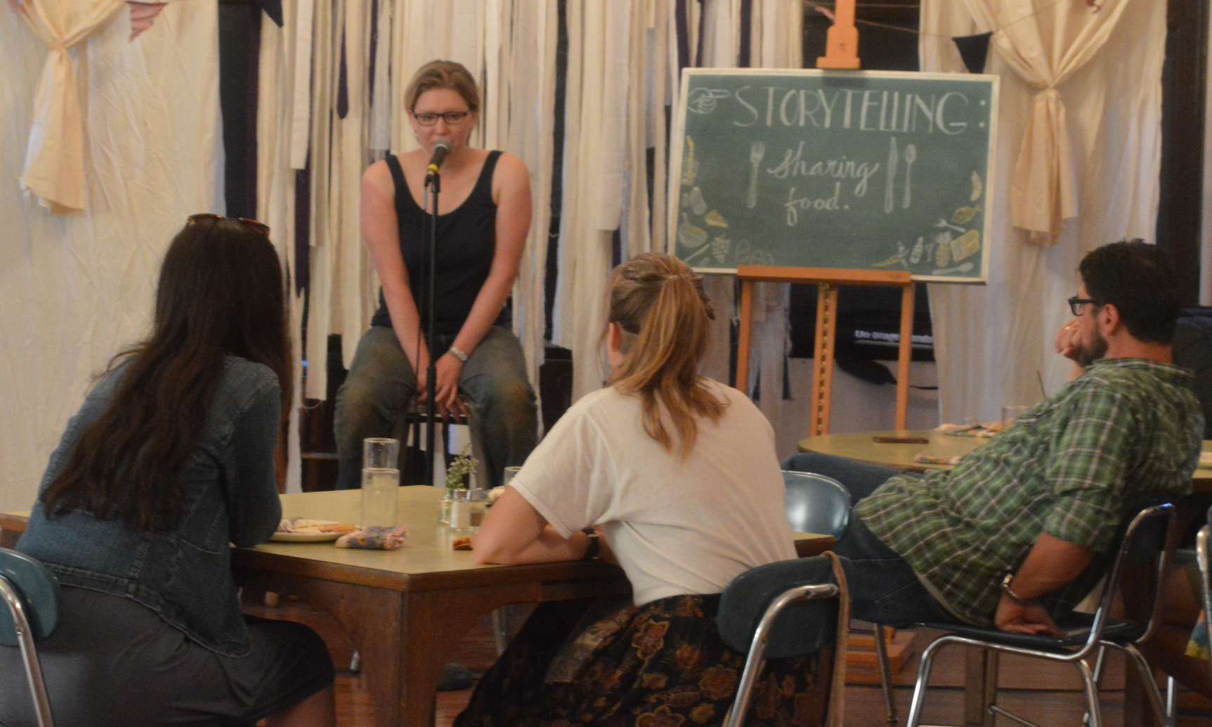 Hussagram: Sharing Food Storytelling